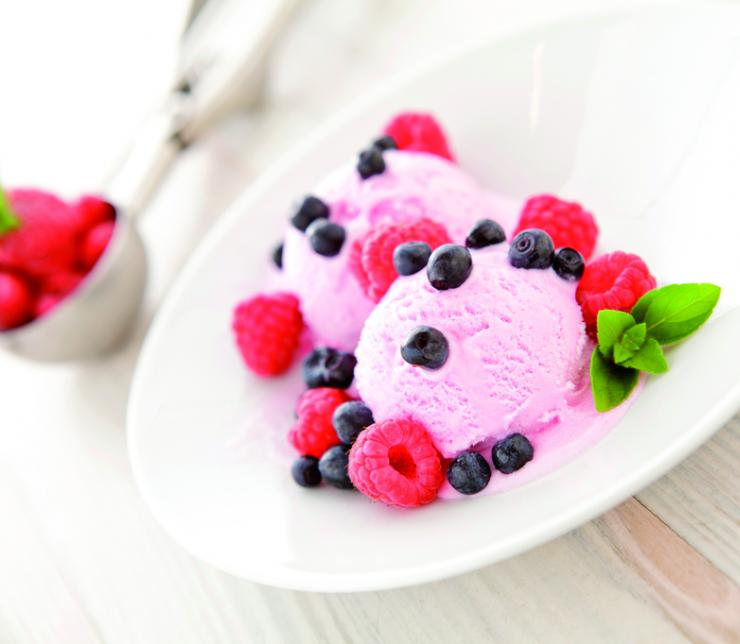 Preparare il gelato in casa è semplice e salutare