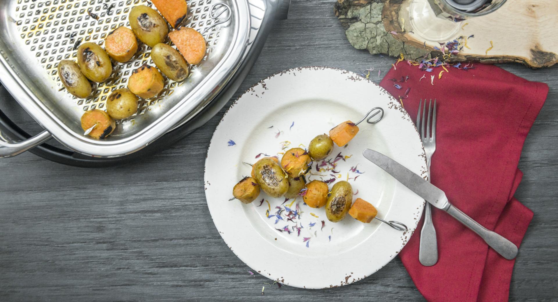 Spiedini di patate colorati