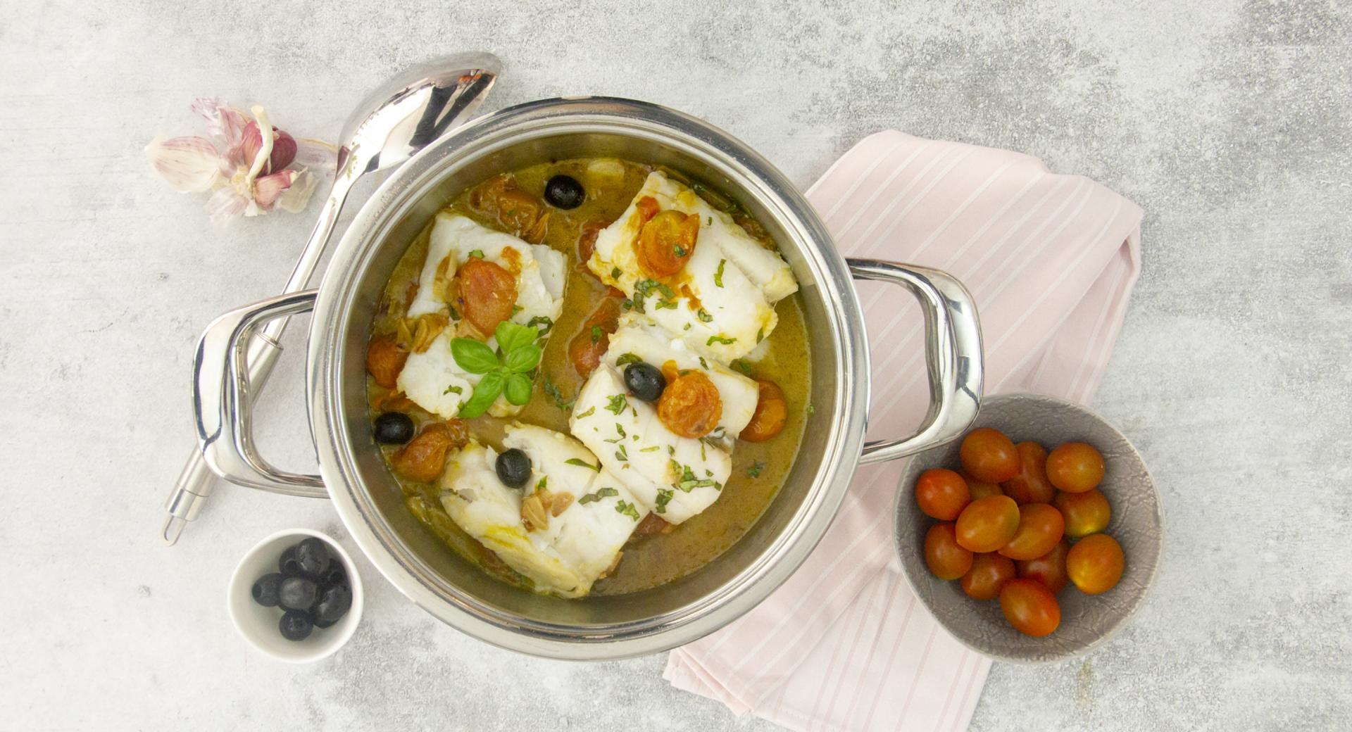 Baccalà con pomodorini, olive e basilico