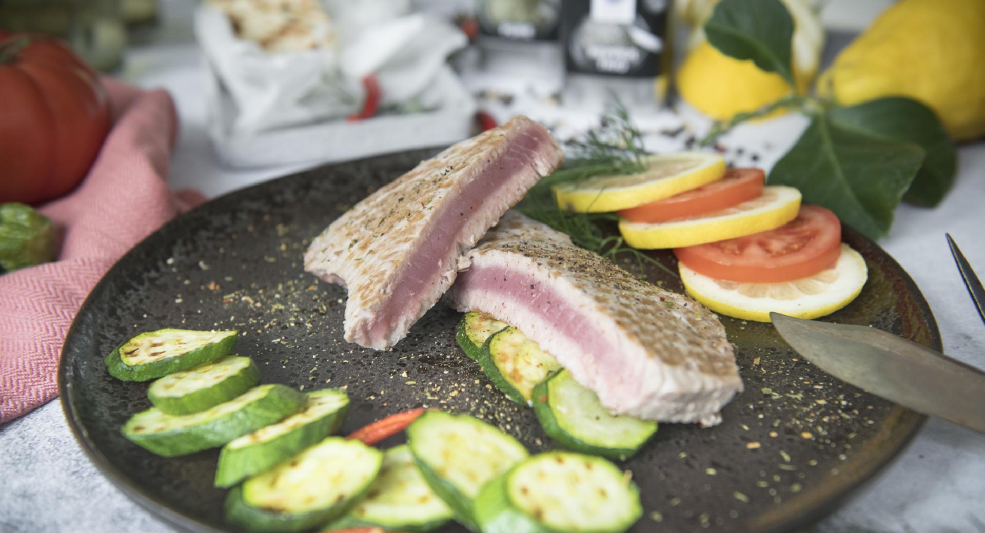 Filetti di tonno con zucchine