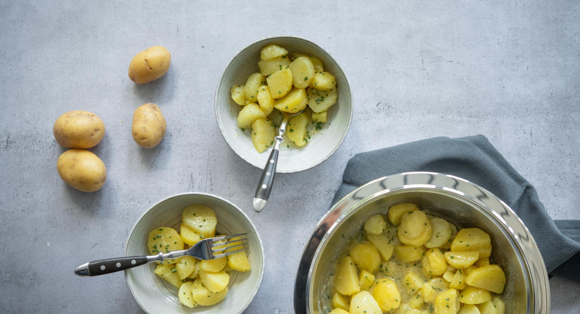 Insalata di patate con olio di noci