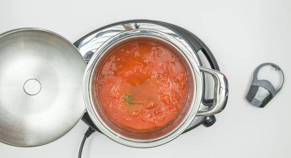 """<span><span lang=""""IT""""><span>Aggiungere quindi i restanti ingredienti secondo la ricetta e impostare Navigenio a livello 6 o regolare il fornello a calore massimo. </span></span></span>"""