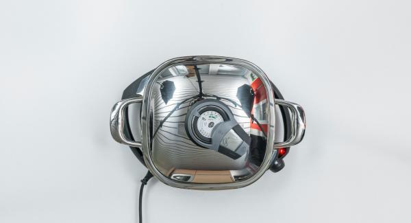 Al suono di Audiotherm, abbassare Navigenio a livello 2 e proseguire la cottura sino a raggiungere il punto di girata a 90°.