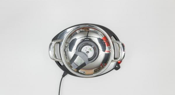 Al suono di Audiotherm, abbassare il calore e completare la cottura.