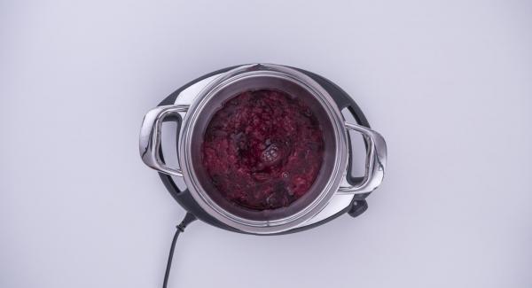 Al suono di Audiotherm, sollevare EasyQuick e mescolare il composto con lo sciroppo d'acero.