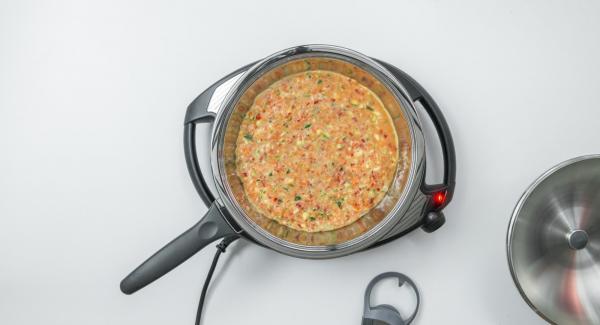 Al suono di Audiotherm, spegnere Navigenio e inserire il composto a base di uova all'interno dell'Unità.