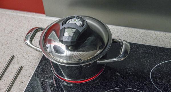 Al suono di Audiotherm, abbassare il calore e completare la cottura. Preriscaldare il forno a 200°C (statico).