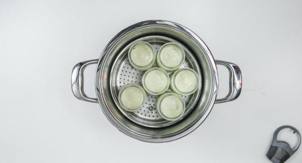 Posizionare l'Unità nel suo coperchio capovolto e coprirla con Navigenio impostato a livello I. Mentre la spia lampeggia, inserire un tempo di 25 minuti su Audiotherm e cuocere al forno fino a ottenere la giusta doratura.