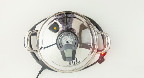 """Posizionare l'unità di cottura con la cipolla su Navigenio e impostarlo a livello 6. Accendere Audiotherm, applicarlo su Visiotherm e girare finchè compare il simbolo """"carne""""."""
