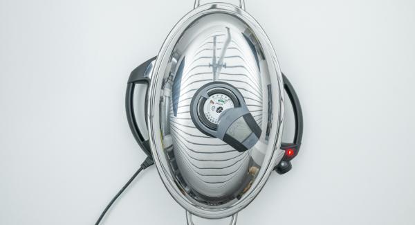 Al suono di Audiotherm, portare Navigenio a livello 4, adagiare le banane con l'apertura rivolta verso l'alto e mettere il coperchio.