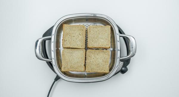 Disporre i sandwich, coprire con il coperchio e spegnere Navigenio.