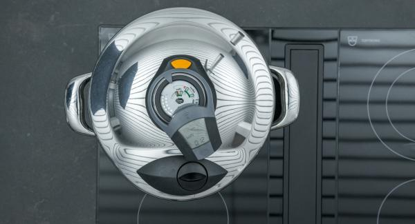 Al suono di Audiotherm, abbassare il livello e lasciar cuocere.