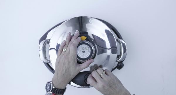"""Chiudere con Secuquick. Impostare Navigenio su Automatico """"A"""", accendere Audiotherm, inserire un tempo di cottura di 8 minuti, applicarlo su Visiotherm e ruotarlo fino a visualizzare il simbolo """"Turbo""""."""