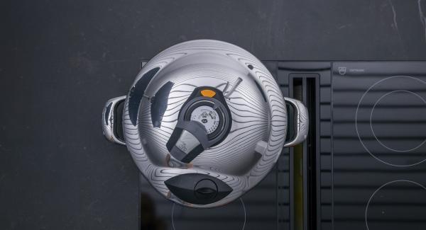"""Impostare il calore massimo, scaldare l'Unità di cottura fino a """"Turbo"""", abbassare il calore e, con l'ausilio di Audiotherm, cuocere per 20 minuti."""