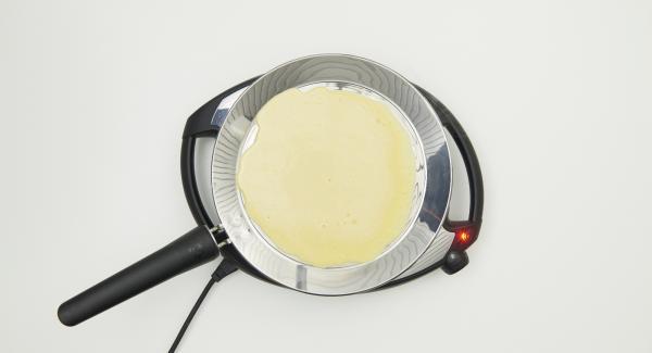 Abbassare Navigenio a livello 2 e distribuire la pastella uniformemente all'interno di oPan.