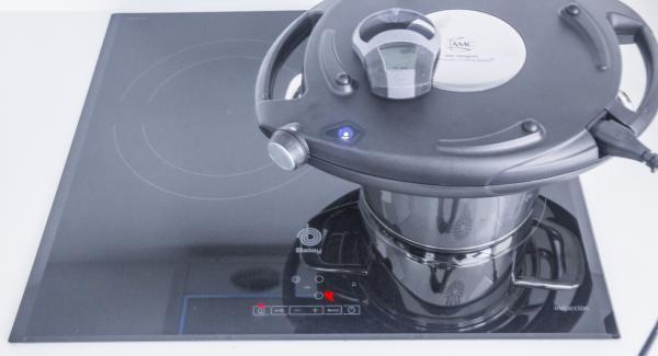 Posizionare l'Unità di cottura sul fornello e regolarlo su un livello medio. Coprire l'Unità con Navigenio rivolto verso il basso impostato a livello I. Mentre la spia di Navigenio lampeggia di rosso/blu, inserire su Audiotherm un tempo di cottura di 25 minuti. Cuocere fino a doratura.