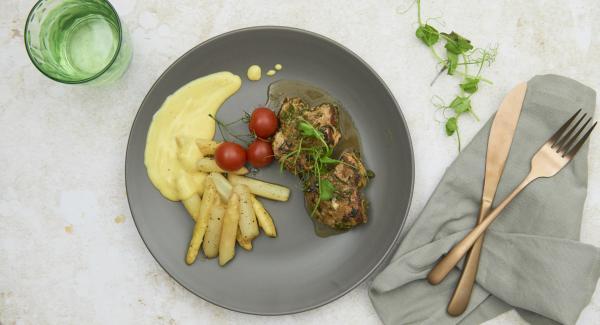 Asparagi arrosto con filetto di maiale marinato