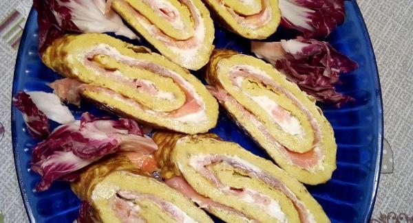 Toglierla dal frigo tagliarla a rondelle spesse circa 2-3 cm. In obliquo e servire con un contorno di verdura.