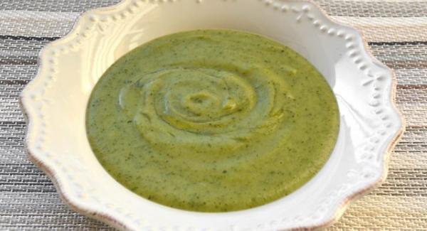 Vellutata di Zucchine e Mandorle al profumo di zenzero